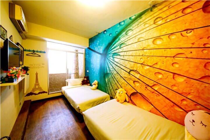 兩張床的清新雙人套房,近台南火車站 花園夜市 海安路 赤崁樓 國華街
