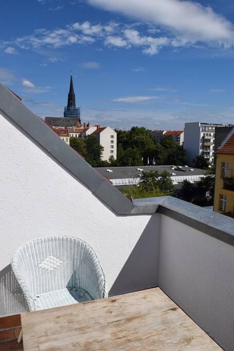 semi furnished apartment near frankfurter tor flats for rent in berlin berlin germany. Black Bedroom Furniture Sets. Home Design Ideas