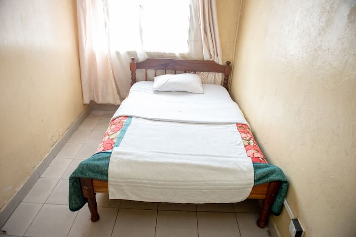 Quiet and SECURE guest house in Nairobi West.