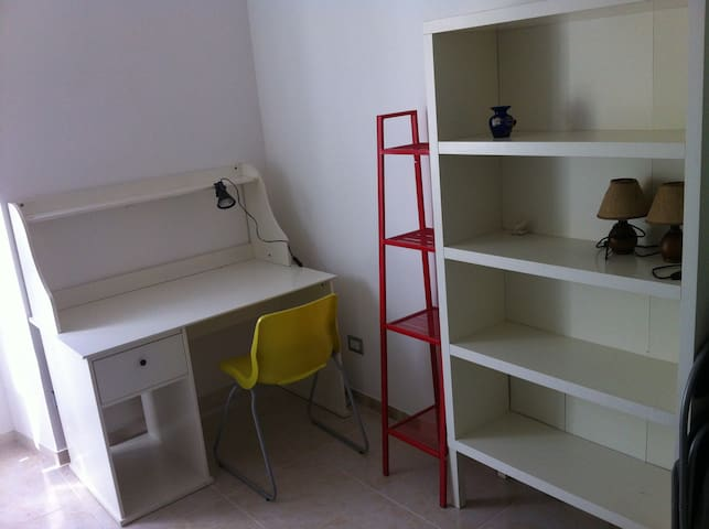 Single room to let - Roma - Condominio