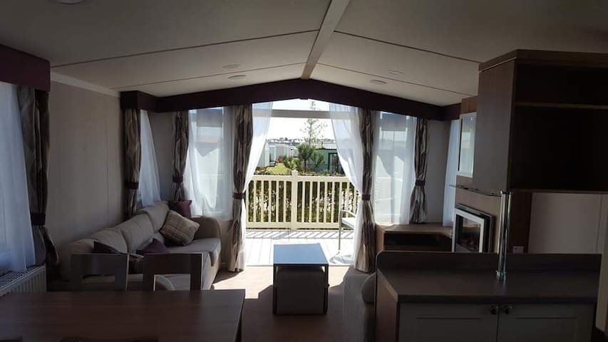 Thornwick Bay Holiday Village 5 * Park of the Year