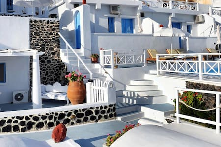 Suite for 5 person in Oia