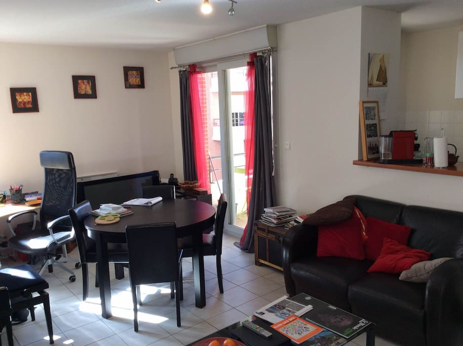 3pi ces confort avec parking flats for rent in toulouse for Interieur zenith toulouse
