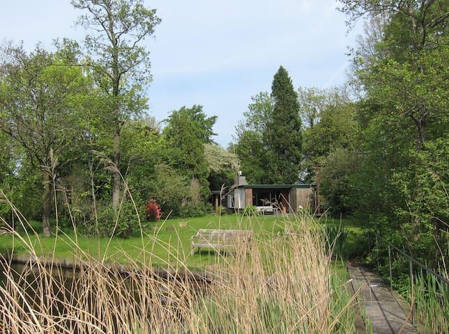Huisje aan het Paterswoldsemeer - Haren (GN)