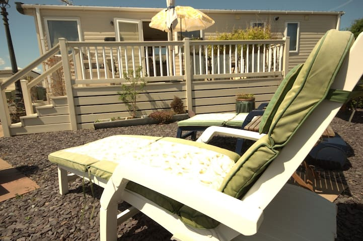 Metres from the beach; 'LeVan' a Luxury Park Home