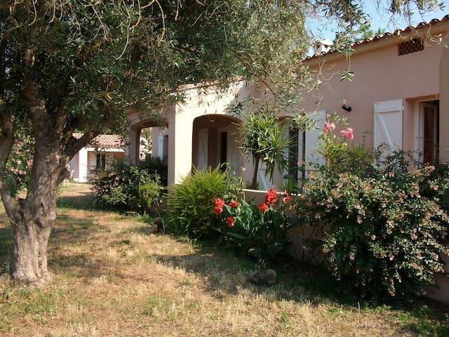 chambre chez l'habitant - Eccica-Suarella - House
