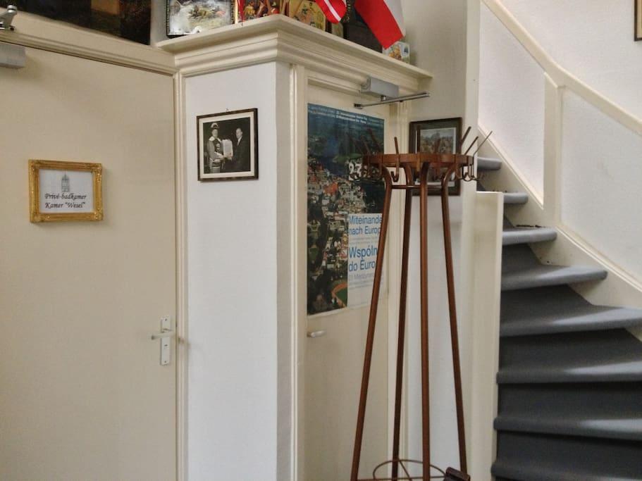 Knusse kamer met externe badkamer bed breakfasts for rent in deventer overijssel netherlands - Kamer onder de helling ...