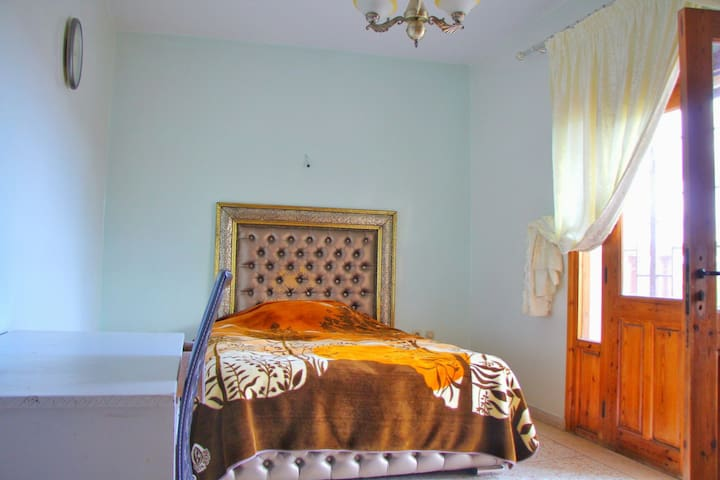 Very nice room& great place to live in with family