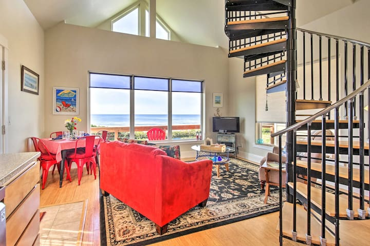 NEW! Oceanfront Cottage w/ Secluded Beach Access!