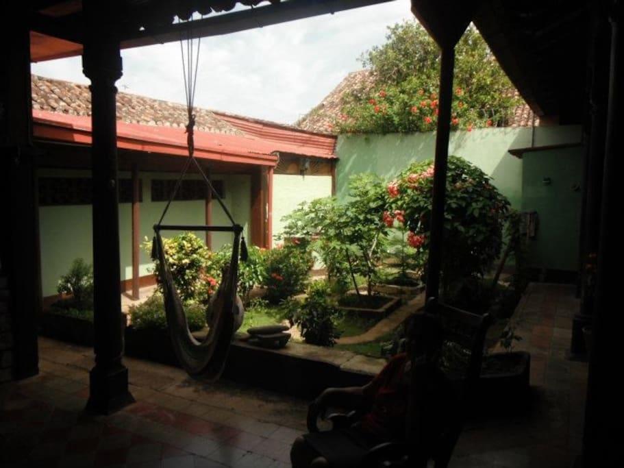 Garden and corredor.