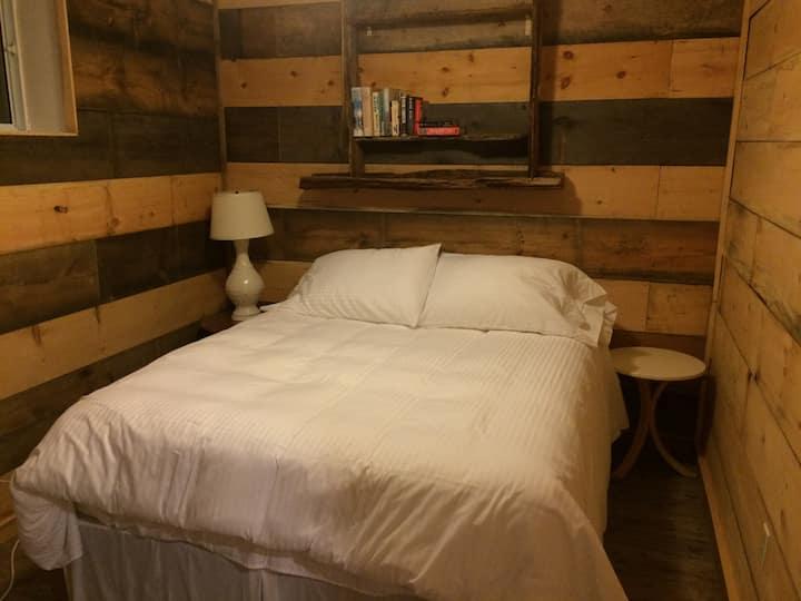 Green Bay Lodge - Lodge Suite 2