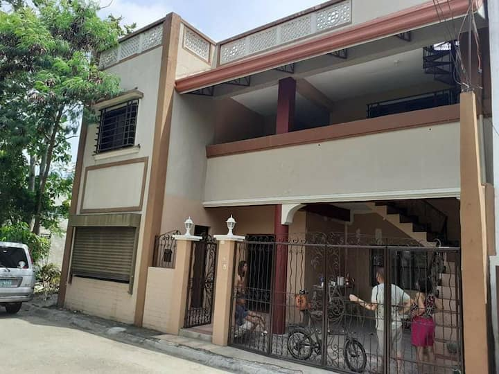 Unfurnished 3-unit Apartments for Long Term Rental