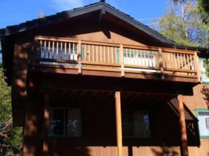 4 Bedroom Family Cabin in Tahoe City