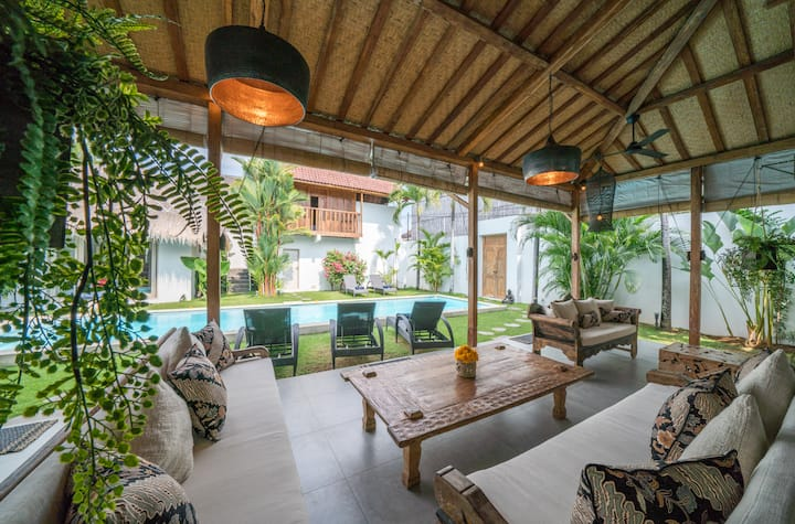 ☆Exquise 4BR Villa, Prime location Seminyak beach