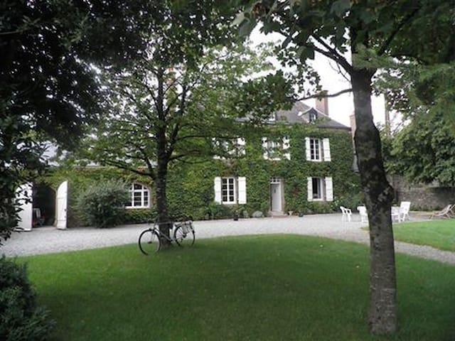 Le Rocher 53600 Chatres la Foret - Châtres-la-Forêt - House