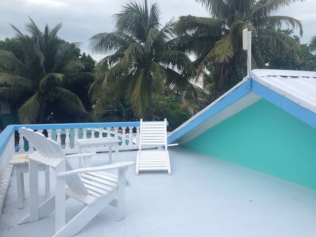 AC Private Room in Spacious Home - Caye Caulker - Hus