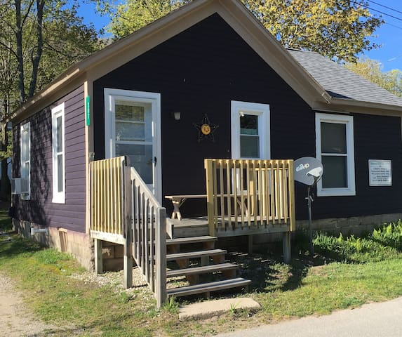 Bungalow for Rent in Resort town of Frankfort, MI