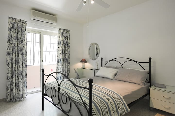 Double bedded room ,  en-suite &  fridge in room
