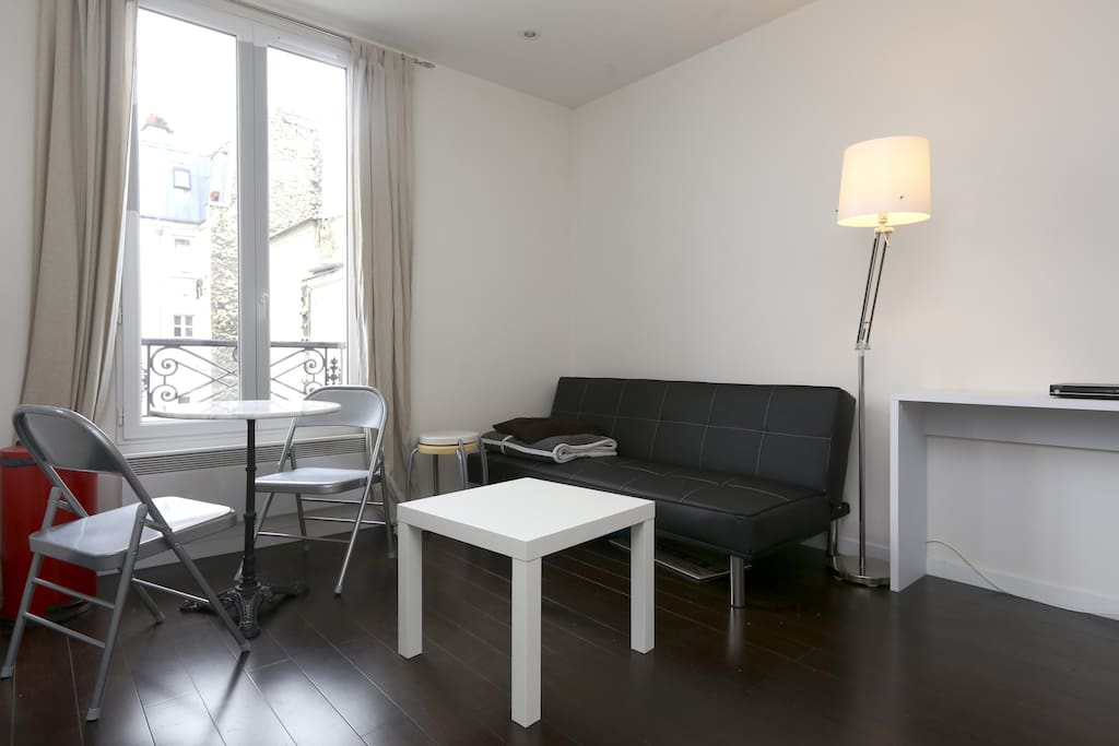 Appartement design montmartre appartements louer for Location appartement design