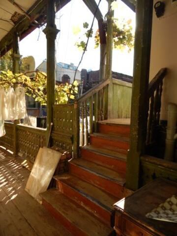 Airbnb тбилиси