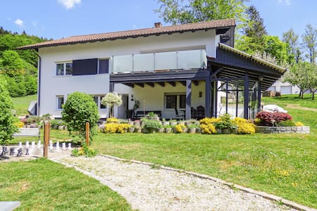 Holiday apartment with 3 bedrooms on 65m² in Untergriesbach