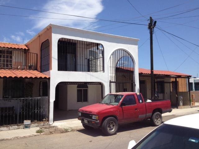 Cuarto de renta entrada por salida - Hermosillo - Dom