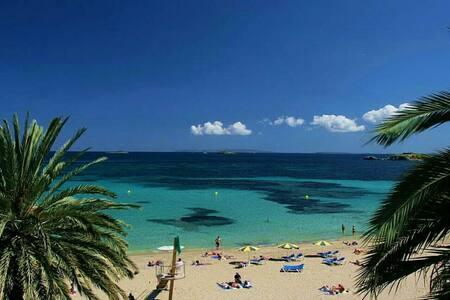 Casa rural en la playa - Ibiza