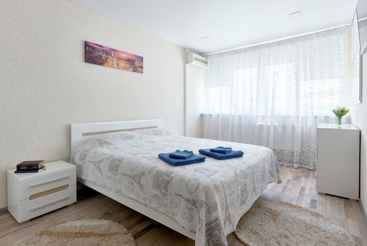 Appartment near airport Zhulyan, LDS Tample Square
