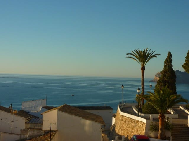 Altea townhouse with sea views - Altea - House