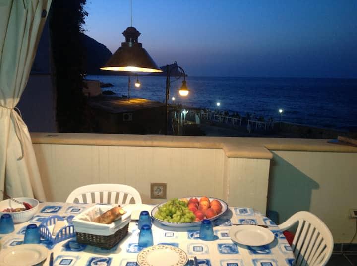 Vivi Marettimo con veranda vistamare