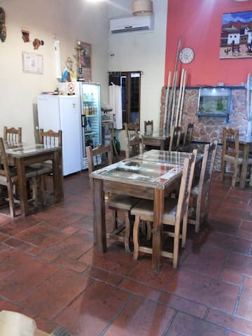 Hósteria Nómades - Eugenio Bustos - ที่พักพร้อมอาหารเช้า