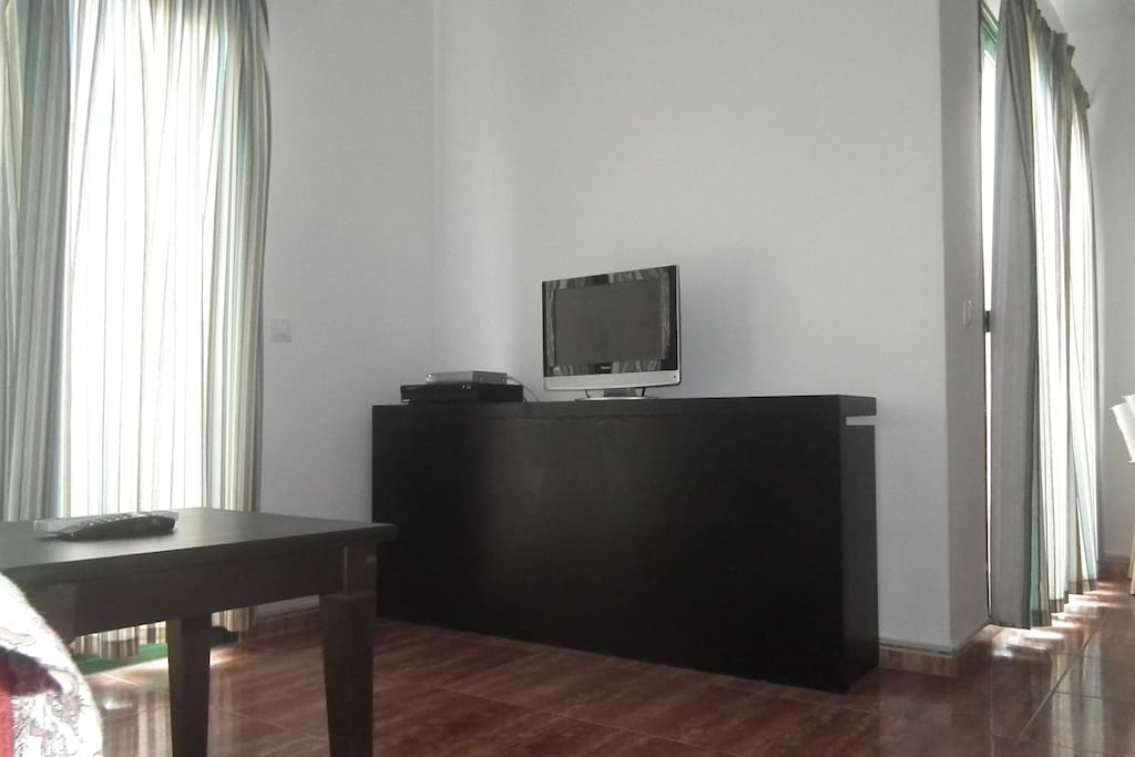 Beautiful, complete living room, with satellite TV and free WiFi
