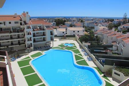 Appartement rénové avec piscine - Albufeira
