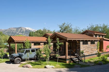 Ski/Summer Jackson Hole Cabin! ~ up to 6 guests! - Wilson - Chalet
