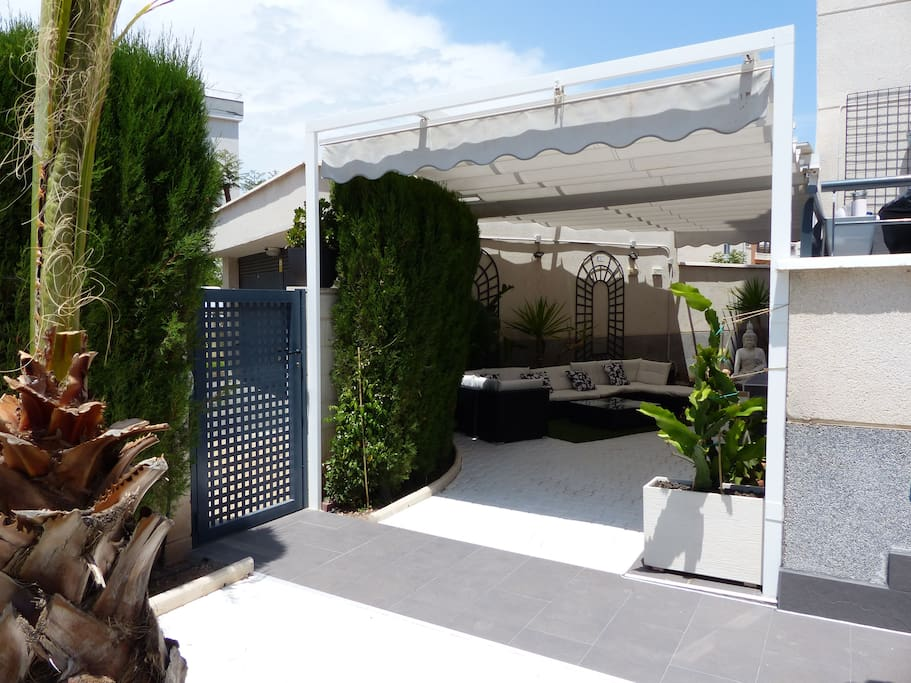 Patio secundario 70 m2: Exterior