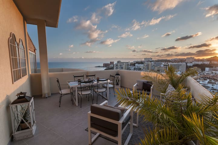 Luxury Penthouse with terrace and stunning view!
