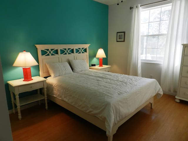 3rd Bedroom with Queensize Bed, access to pool area