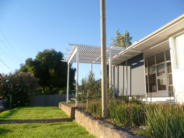 Perfect Location for a Short Break - Normanville - Huis