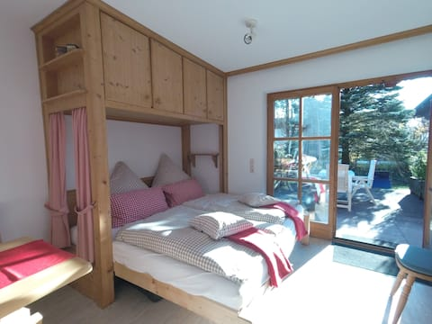 Charming holiday home for couples/small families