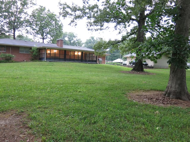 Charming Chickamauga Lake Home with Private Dock - Middle Valley