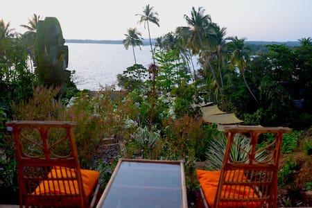 A boutique room in the clouds! - Siolim