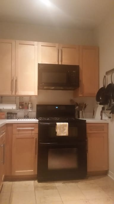 Fully functional and equipped kitchen.
