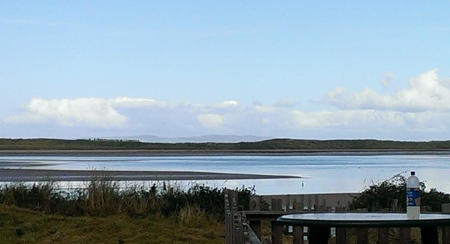Superb views from secluded beachfront home Slps 4 - Kerry - Andre