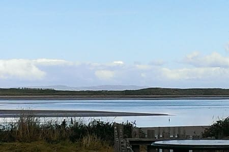 Superb views from secluded beachfront home Slps 4 - Kerry - Andere