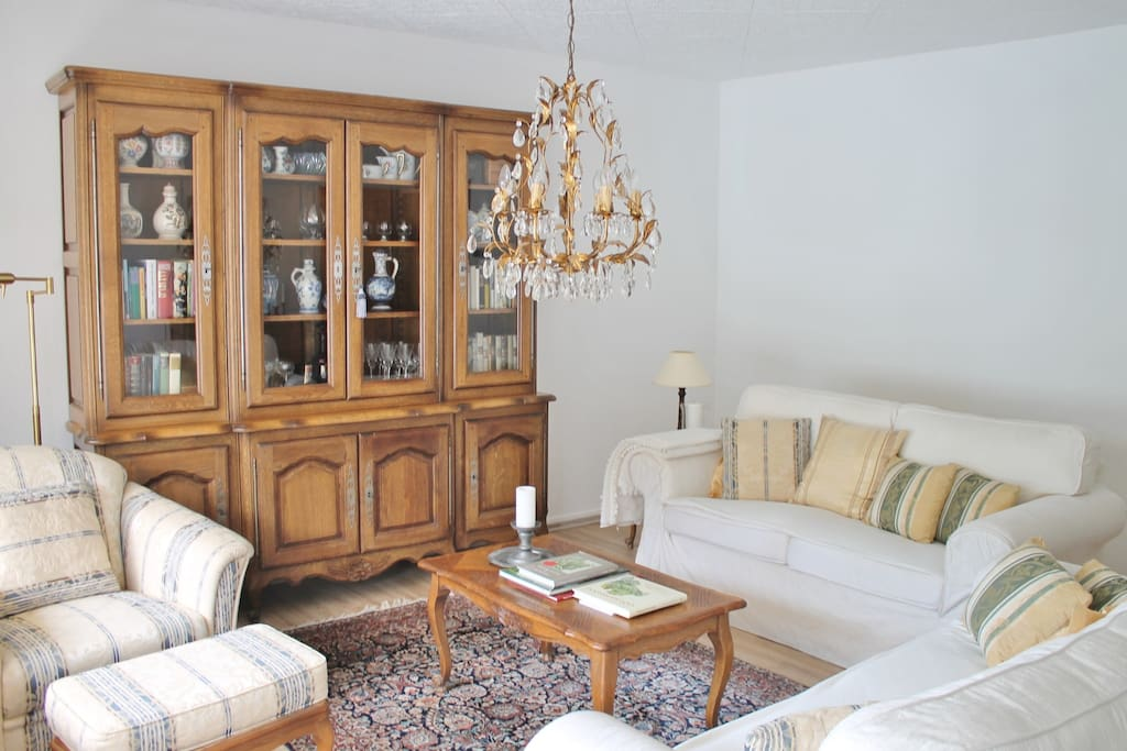 Wohnraum  Sitzecke & Lesesessel