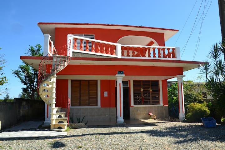 Casa Pelicano  playa larga Cuba - Playa Larga - Rumah