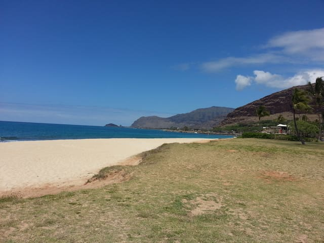 BY THE BEACH, 2BEDRM, KIT, LIVING - Waianae - Rumah
