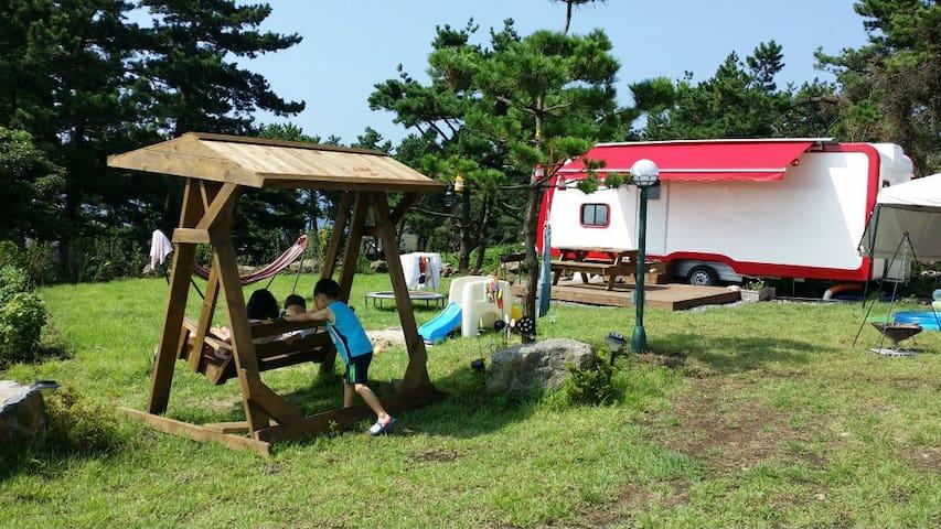 서귀포A Ocean view Caravan '작은바람언덕카라반 - 서귀포시 - House