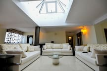Light pyramid in the centre of the living room