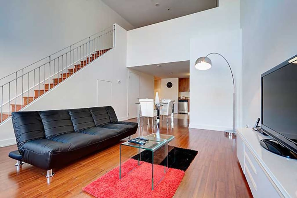 Spacious two floor apartment flats for rent in montreal for Two floor apartment